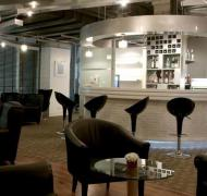 (3-5hr Stay) Louis' Tavern Cip First Class (conc C) Lounge